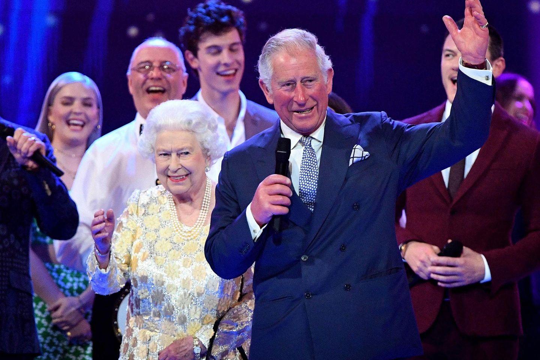 Queen Elizabeth II., Prinz Charles