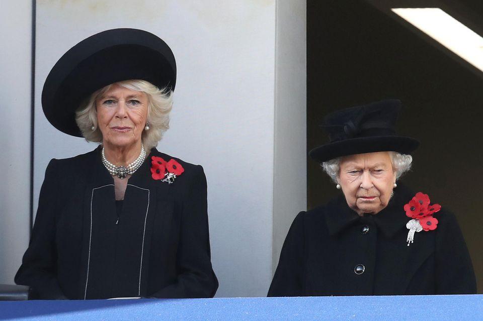 Herzogin Camilla, Queen Elizabeth II.