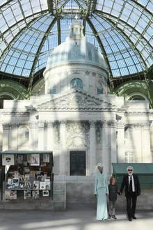 Beeindruckendster Teil der Paris-Kulisse ist das im 17. Jahrhunderterbaute Institut de France, Sitz der renommierteen GelehrtengesellschaftAcademie Française.
