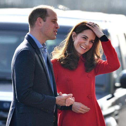 Prinz William und Herzogin Catherine bei ihrer Ankunft am Fußballstadion in Belfast
