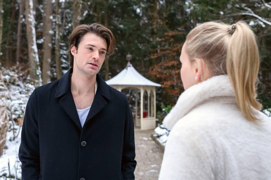 oshua (Julian Schneider, l.) kann nicht fassen, wie sehr er sich in Annabelle (Jenny Löffler, r.) getäuscht hat.