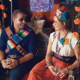 """Am mexikanischen Feiertag """"Dias de los Muertos"""" nehmen sich Andrej und Jennifer nach dem Schminken und vor der Gruppendate-Action Zeit für ein kurzes Einzelgespräch."""