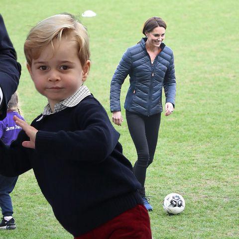 Na, was sagt Prinz George zu der spielerischen Leistung seiner Mutter?
