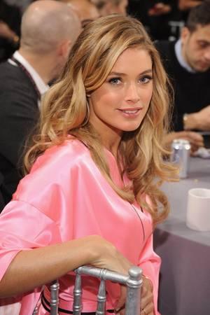 """Einen Tag vor der heiß ersehnten """"Victoria's Secret""""-Show gönnt sich ModelDoutzen Kroesnoch einmal die richtige Hautpflege"""