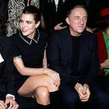 Im Rahmen der Pariser Modewoche nimmt Charlotte Casiraghi in der Front Row vonSaint Laurent Platz.