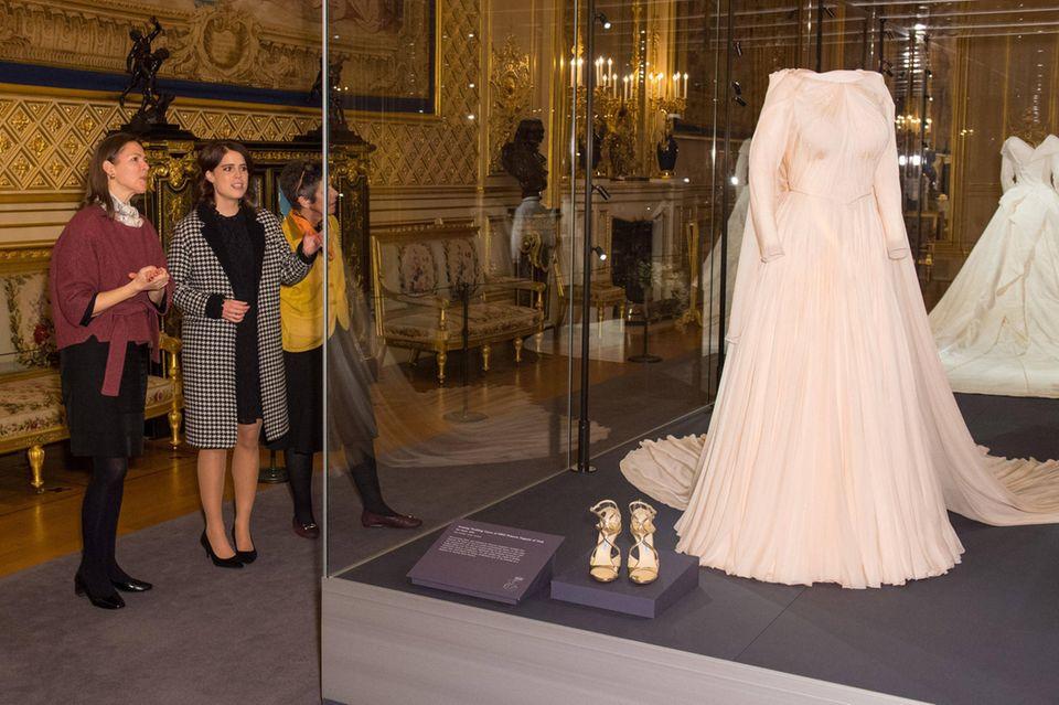 Auch das zweite Kleid, das Eugenie zu den Feierlichkeiten am Abend trug, ist Teil der Ausstellung.