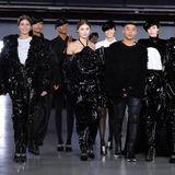 Olivier Rousteing und seine Models beim Finale von Balmain