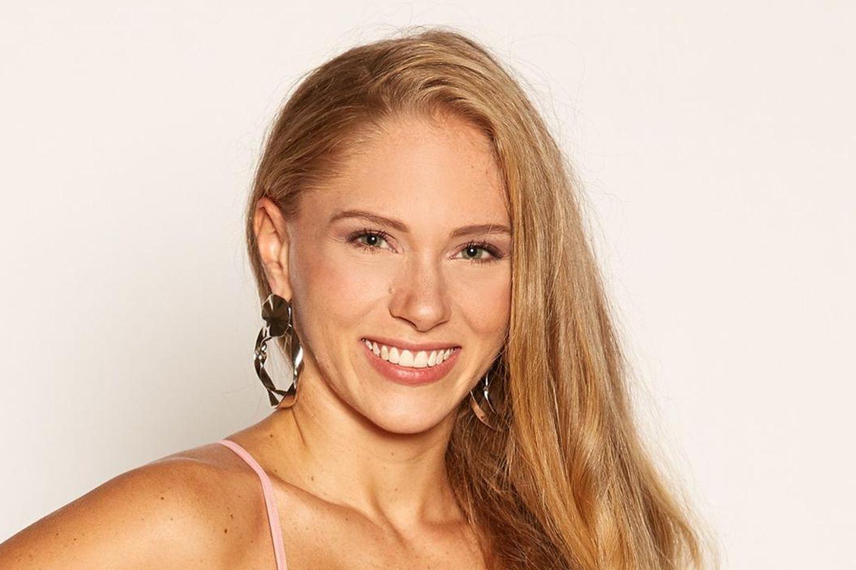 """Vanessa Prinz  Alle Episoden von """"Der Bachelor"""" bei TVNOW"""