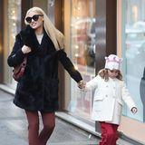 28. Januar 2019  Zusammen mit Sole schlendert Michelle Hunziker durch Mailands Straßen und kehrt in einige Geschäfte ein. Sie kaufen Lebensmittel und Kosmetik ein.