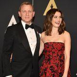 """Daniel Craig + Rachel Weisz  Ihre Hauptrollen in """"Dream House"""" bringen Daniel und Rachel in 2010 zusammen. danach machen sie Nägel mit Köpfen: Die Hochzeit findet bereits ein Jahr später statt. ur mit dem nachwuchs hat es dann doch noch etwas Zeit. Das """"Bond-Baby"""" erblickt in 2018 das Licht der Welt."""