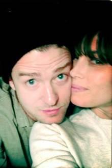 """4. März 2019  """"Mein Partner in diese Sache namens Leben"""", schreibt Justin Timberlake. Zum Geburtstag seinerFrau Jessica Biel teilt der Sänger fünf Pärchenfotos und liebevolle Sätze ..."""