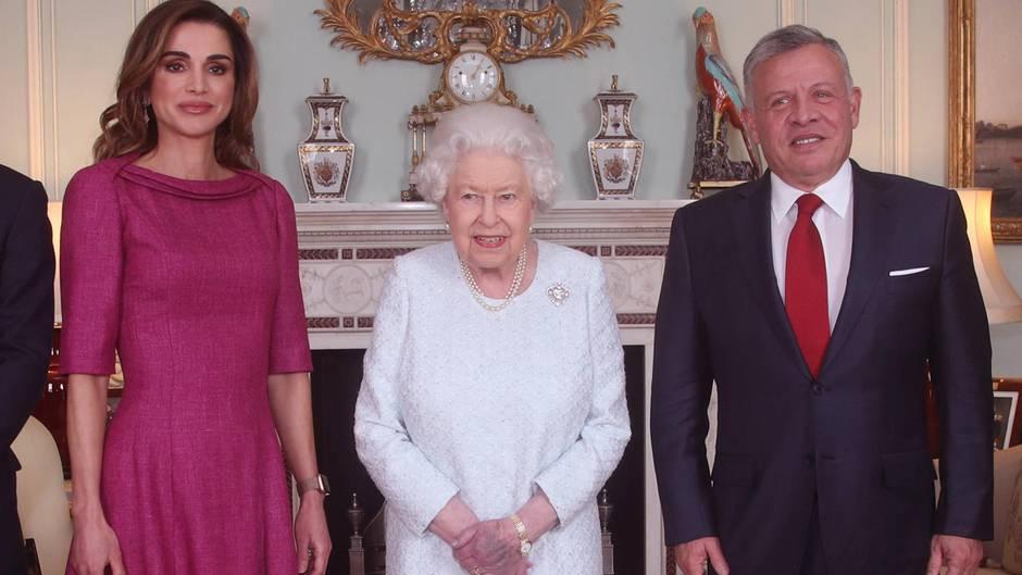 Queen Elizabeth mit Königin Rania von Jordanien