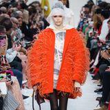 Kaia Gerber ist von fast keiner Modewoche wegzudenken, läuft auch für Valentino.