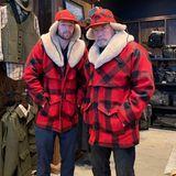 3. März 2019  Das passiert, wenn Arnold Schwarzenegger und sein Sohn Patrick zusammen einkaufen gehen. Ob die beiden jetzt im Partnerlook auch noch gemeinsam zum Holzfällen gehen, ließ die Muskel-Legende aber offen.