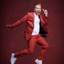 """Oliver Pocher  Er zählt zu den Überraschungsteilnehmern der diesjährigen Staffel. Auf Instagram witzelt Pocher: """"Professionelles Tanzen zu lernen ist die beste Gelegenheit um eines Tages bei Helene Fischer zu punkten."""""""