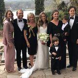 So sieht eine glückliche Familie aus! Ashley Lauren zelebriert den schönsten Tag ihres Lebens mit EhemannJulian LeFevre, Mutter Sharon Bush und Schwester Lauren Bush Lauren.