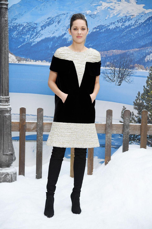 Auch Marion Cotillard nimmt mit ihrem Besuch der Prêt-à-porter-Show Abschied vom großen Meister.