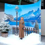 Alles eine Frage der Perspektive! Oder der idyllischen Fotowand, vor der Clémence Poésy steht.