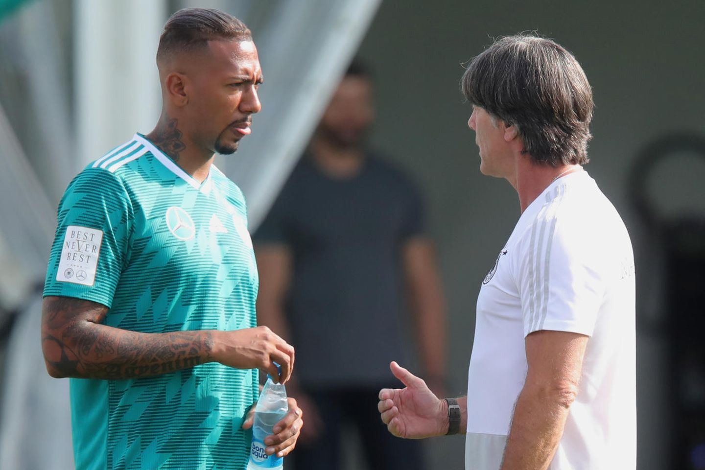 Jerome Boateng und Bundestrainer Joachim Löw