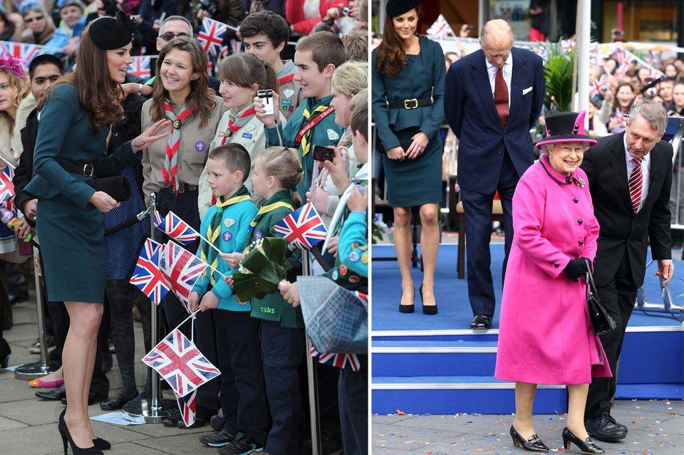 Herzogin Catherine war anfangs bei öffentlichen Rundgängen nervös. Bei ihrem ersten Solo-Termin mit Queen Elizabeth am 8. März 2012 in Leicester konnte sie sich anschauen, wie's ein Profi macht