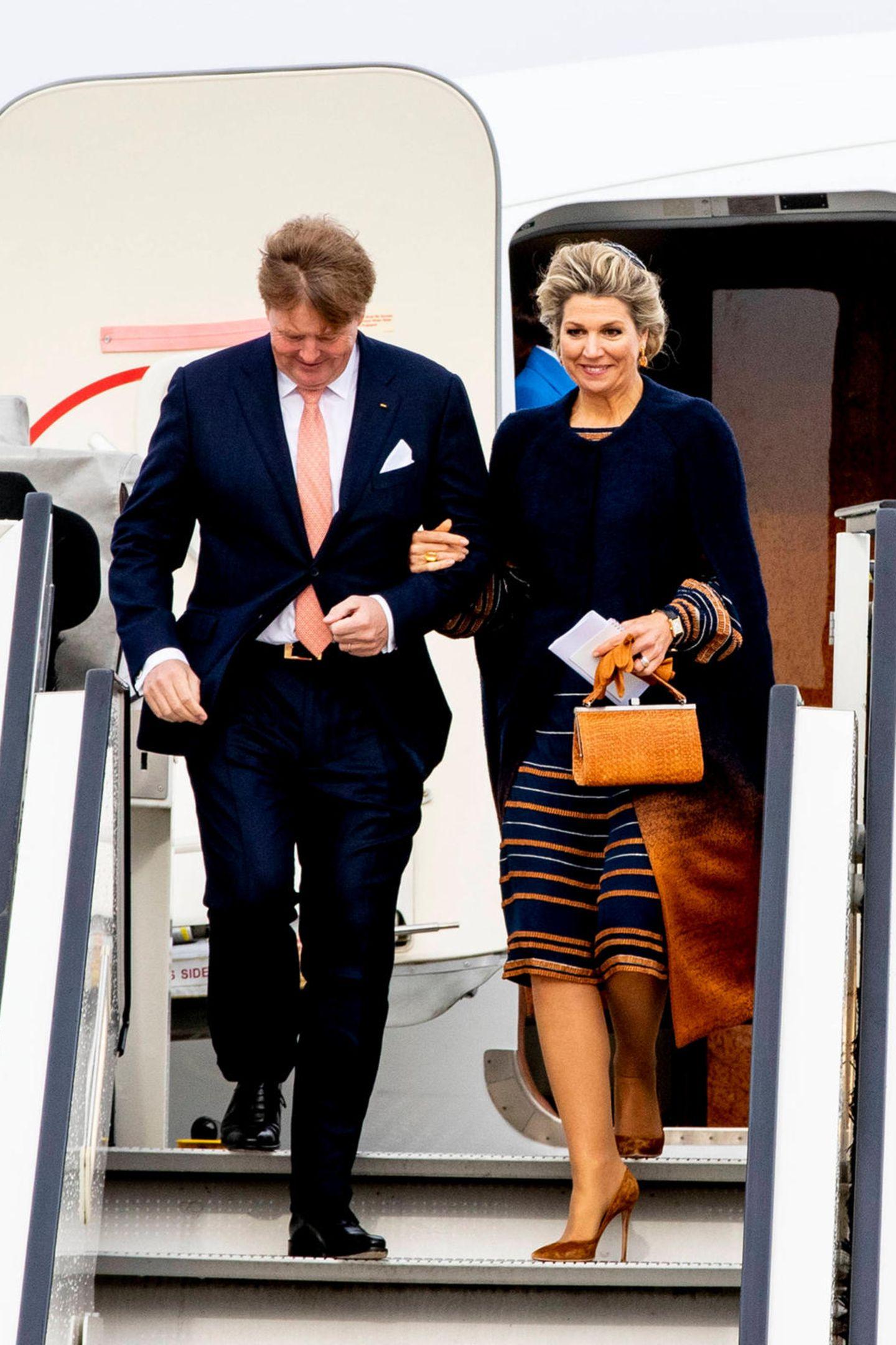 König Willem-Alexander und seine Frau Königin Máxima sind für einen eintägigen Besuch in Bremen gelandet.