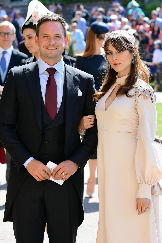 Patrick J. Adams und Troian Bellisario bei der Hochzeit von Prinz Harry und Herzogin Meghan