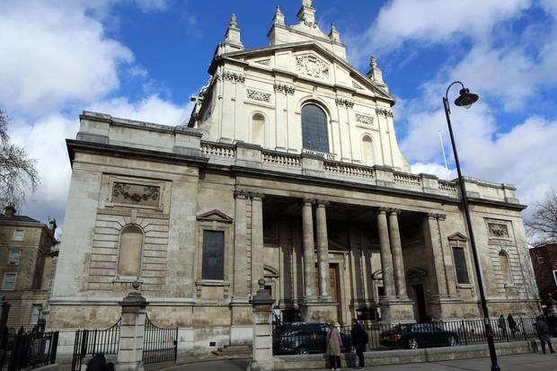 Die Trauerfeier findet in der Londoner Oratorianerkirche statt.