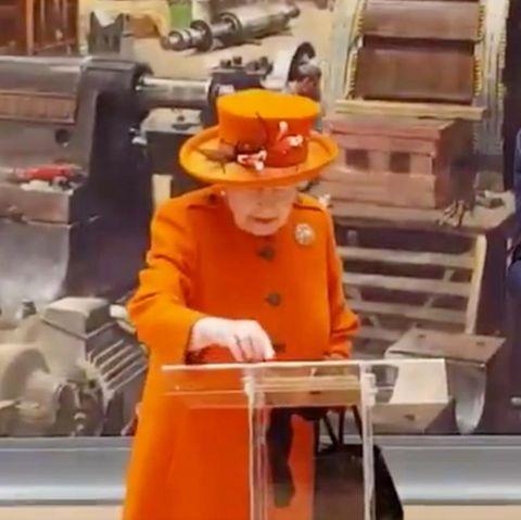 Ein kleiner historischer Moment: Queen Elizabeth setzt am 7. März 2019 ihren ersten Instagram-Post ab. Passiert ist es bei einem Besuch des Londoner Science Museum