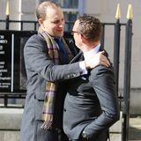 Mayas Sohn Alexander Flick bedankt sich bei Lord Frederick Windsor für sein Kommen.