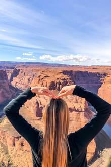 """7. März 2019  Alessandra Meyer-Wölden zeigt sich fasziniert von dem ikonischen """"Horseshoe Bend"""" in Arizona."""