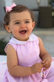 9. März 2019  Zum ersten Geburtstag der süßen Maus teilt Mama Prinzessin Madeleine ein niedliches Porträt.Happy Birthday Prinzessin Adrienne!