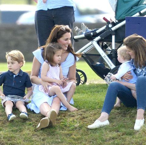 Herzogin Catherine mit Prinz George und Prinzessin Charlotte