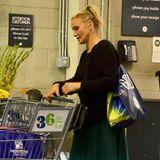 Cameron Diaz hat bei Whole Foods in Beverly Hills einige Einkäufeerledigt.