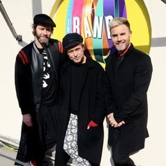 Seit dem Herbst 2014 sind Howard Donald, Mark Owen und Gary Barlow nur noch als Trio unterwegs - ohne Jason und Robbie, auch wenn es über die Jahre immer mal wieder zu Auftritten mit ihm kam. Doch was machen die einzelnen Mitglieder der Kult-Boy-Band der 90er Jahre eigentlich heute?
