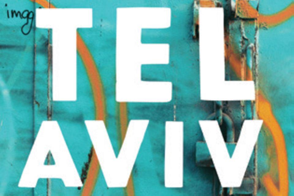 """Haya Molcho ist die Gründerin der """"Neni""""-Restaurants – benannt nach den Anfangsbuchstaben ihrer vier Söhne. Zusammen mit dem Quartett zeichnet sie in diesem Buch ein lebendiges Porträt ihrer Heimatstadt, mit Rezepten, Fotos und Geschichten. (""""Tel Aviv"""", Brandstätter Verlag, 280 S., 35 Euro)"""