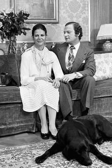 12. März 1976  Ganz verliebt schaut der schwedische König seine zukünftige Ehefrau an.
