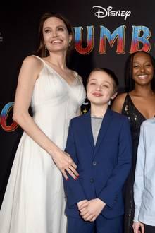 """Angelina Jolie mitKnox, Zahara, Vivienne und Shiloh bei der Weltpremiere von """"Dumbo"""""""