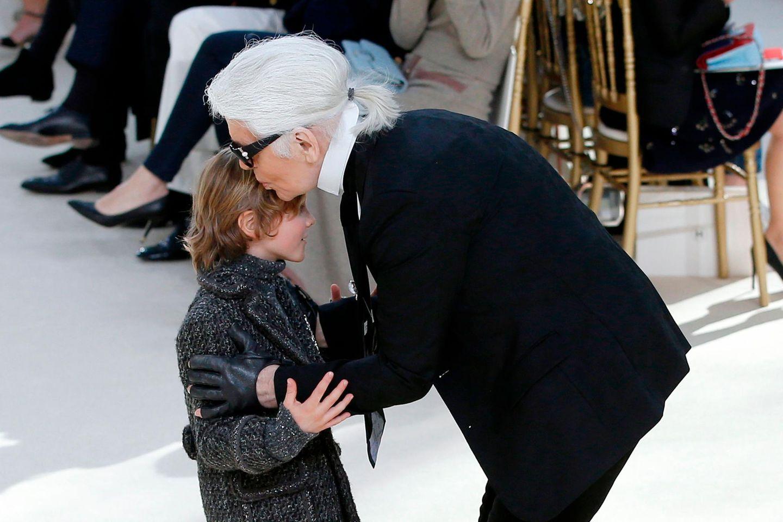 Karl Lagerfeld mit seinem Patenkind Hudson Kroenig