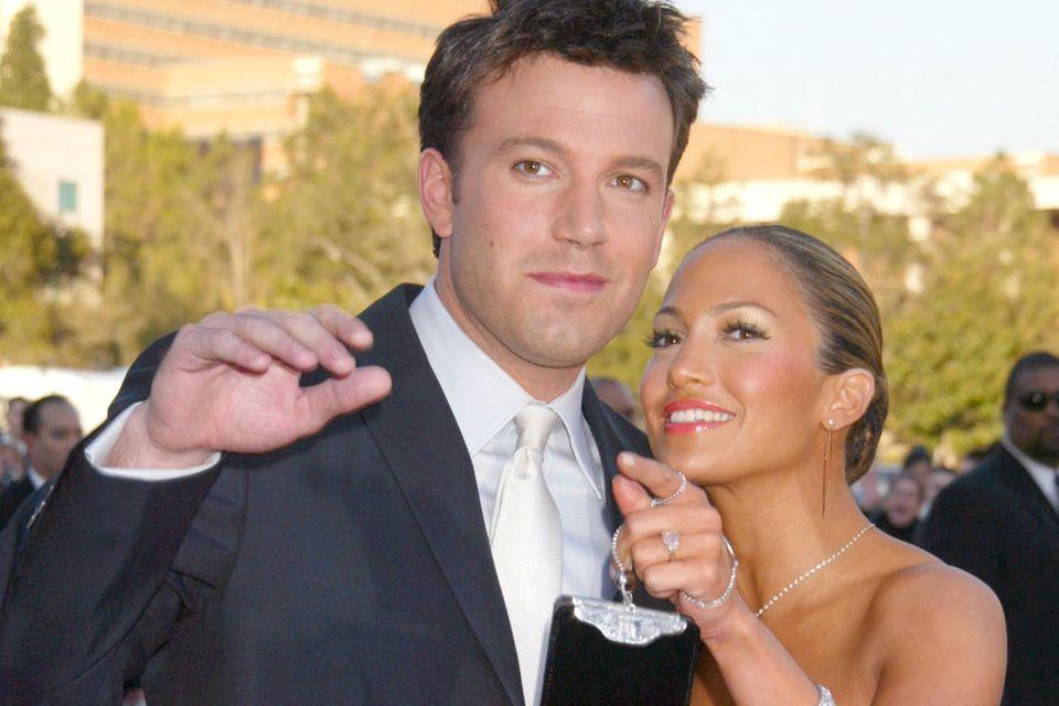 Mit Schauspielkollege Ben Affleck war Jennifer Lopez 10 Monate verlobt.