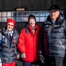 Befreundet und auch familiär verbunden: Norwegens Königsfamilie und Königin Margrethe von Dänemark (mit der Sportlerin Therese Ahaug, 2. v.l.)