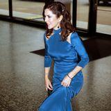 """Zum Gala-Dinner im """"Museum of Fine Arts"""" in Austin kommt Prinzessin Mary in einer traumhaften blauen Abendrobe."""