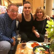 Robbie Williams, Pete Conway, Jeanette Williams
