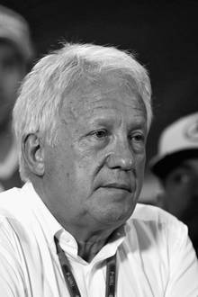 14. März 2019: Charlie Whiting (66 Jahre)  Kurz vor Eröffnung der neuen Saison durch den Großen Preis von Australien steht die Formel 1 unter Schock. Wie der Automobil-Weltverband am Donnerstagmorgen bestätigt hat,ist der langjährige FIA-Rennleiter Charlie Whiting in Melbourne im Alter von 66 Jahren überraschend verstorben. Todesursache seien demnach die Folgen einer Lungenembolie gewesen.