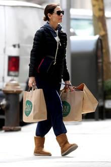 Nach den Gerüchten um ein mögliches Beziehungsaus mit Schauspieler Jamie Foxx wird scheinbar ordentlich eingekauft. In New York wird Katie Holmes beim Schleppen von gleich drei vollen Einkaufstüten gesichtet.