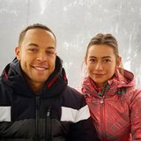 """12. März 2019  """"Wir genießen den ersten gemeinsamen Urlaub in vollen Zügen!"""", postet Andrej Mangold. Der Bachelor und seine Herzensdame Jennifer zeigen sich bei ihrem gemeinsamen Skiurlaub."""
