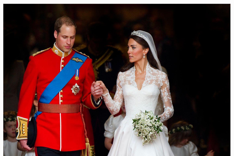 Prinz William und Herzogin Catherine verlassen nach der Trauung am 29. April 2011 die Westminster Abbey