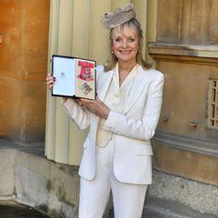 """Ihr süßes Lächeln und ihre sehr schlanke Figur hat sichLeslie """"Twiggy"""" Lawson bis heute bewahrt. Und jetzt kann sie sogar mit dem britischen Titel Dame vor ihren Namen setzen."""