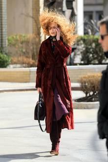 """Bei den Dreharbeiten zu ihrer HBO-Serie """"The Undoing"""" wird die Frisur vonHollywoodstar Nicole Kidman ordentlich durchgepustet."""