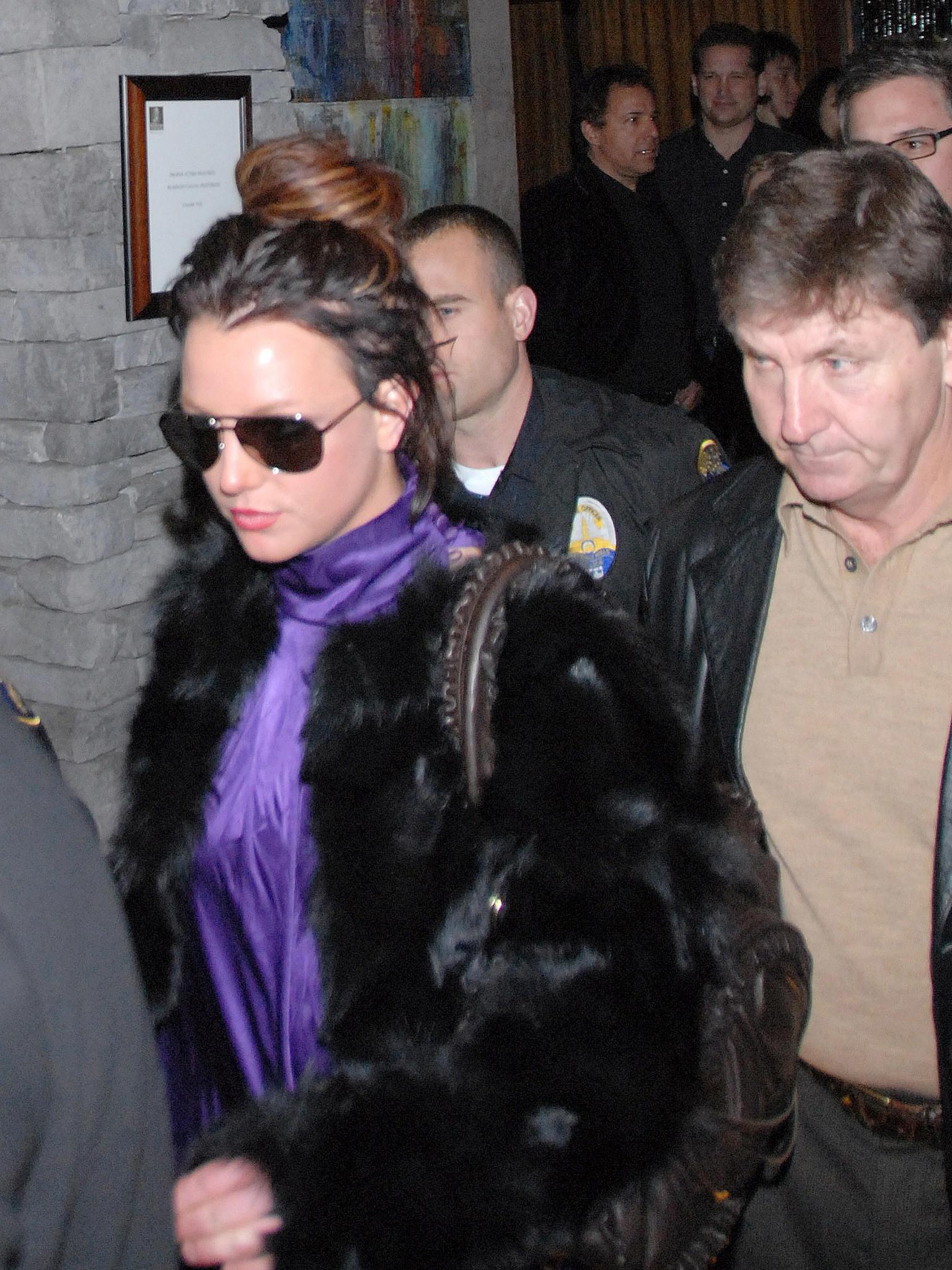 Jamie Spears ist der Vormund seiner Tochter Britney - ohne seine Zustimmung darf sie keine lebensverändernden Entscheidungen treffen.