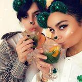 Vanessa Hudgens gönnt sich am St. Patrick's Day mit ihrer Freundin Natalie Saidi einen grünen Drink und einen kitschigen Fotofilter.